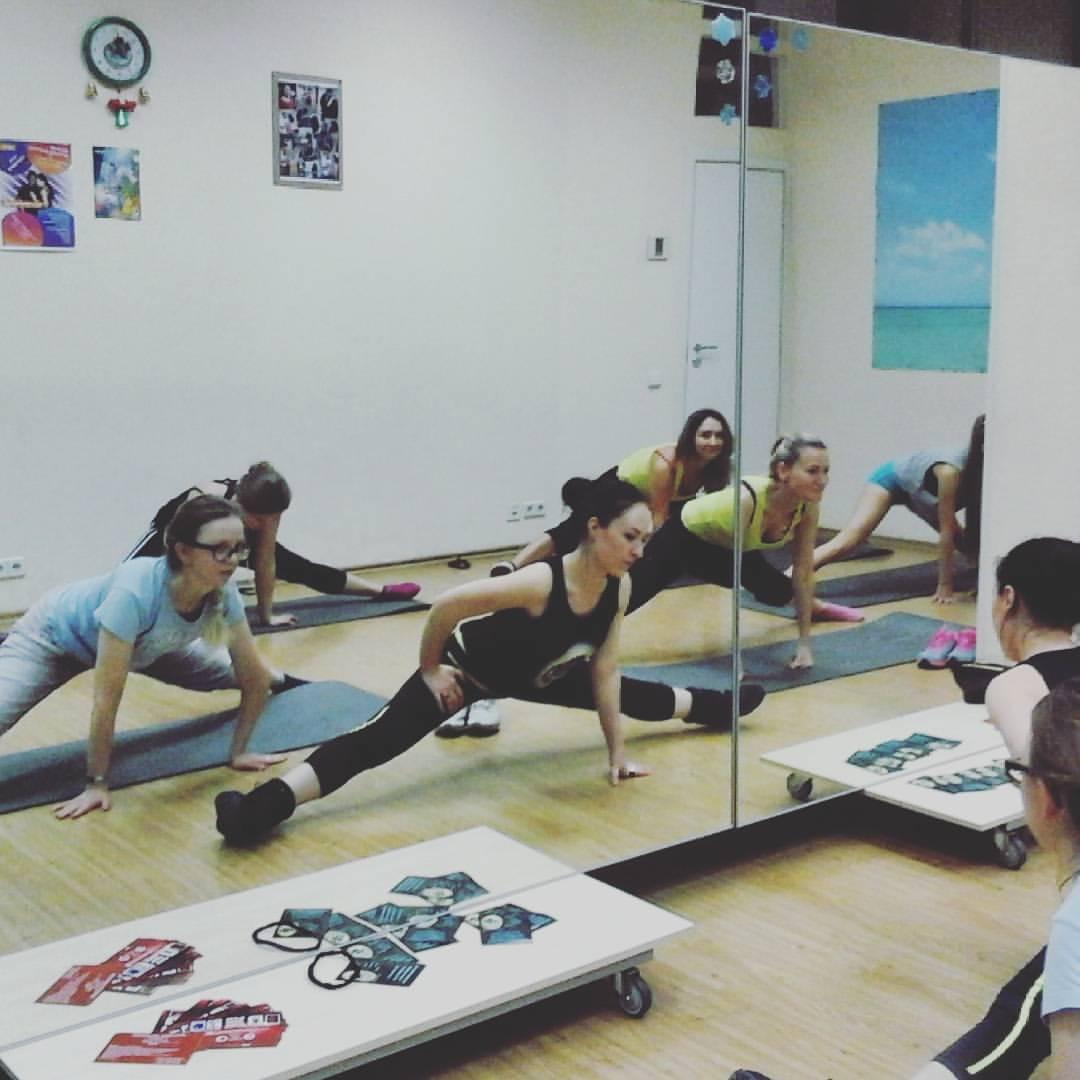 растяжка, фитнес, стрейчинг, стретчинг, латина, соло латина, фитнес латина, бути, тверк, twerk, booty, fitness latina, solo latina, stretching.  criola dance